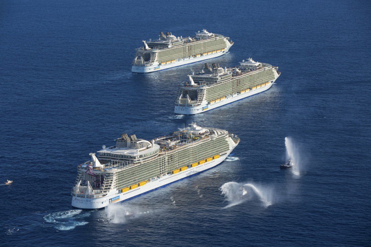 Pictures Of Cruise Ships At Sea Fitbudha Com