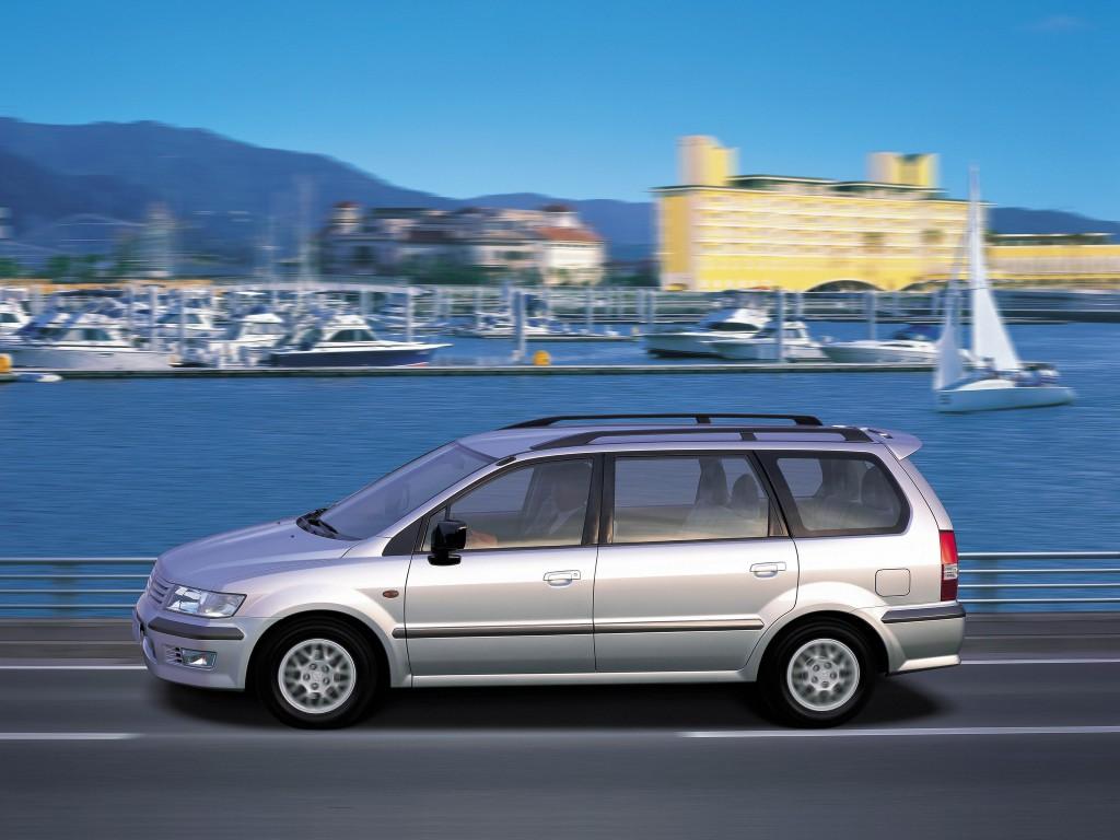... mitsubishi-space-wagon-minivan-5-doors-2003-model- ...