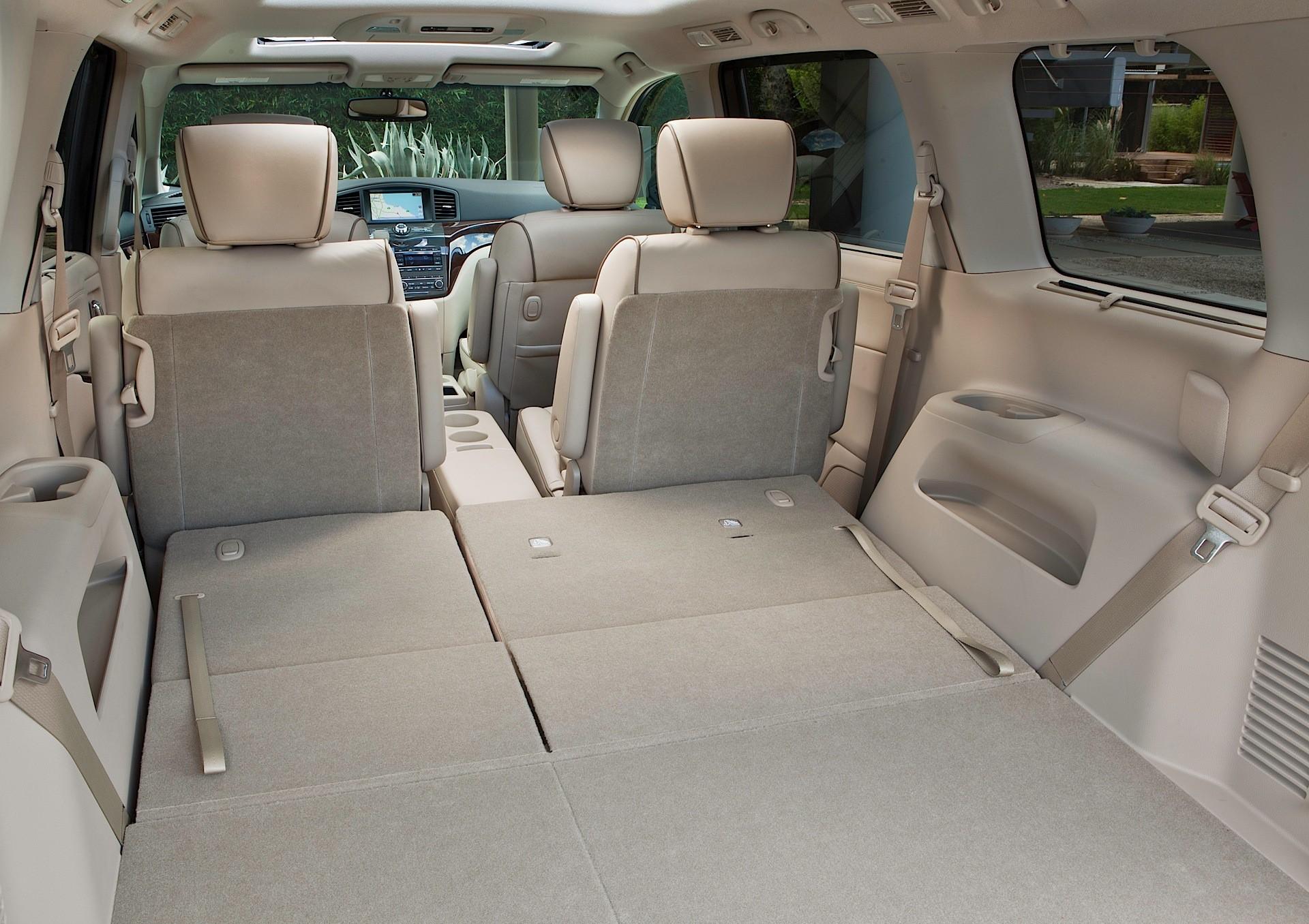 Nissan Quest Minivan 5 Doors 2010 Model Interior