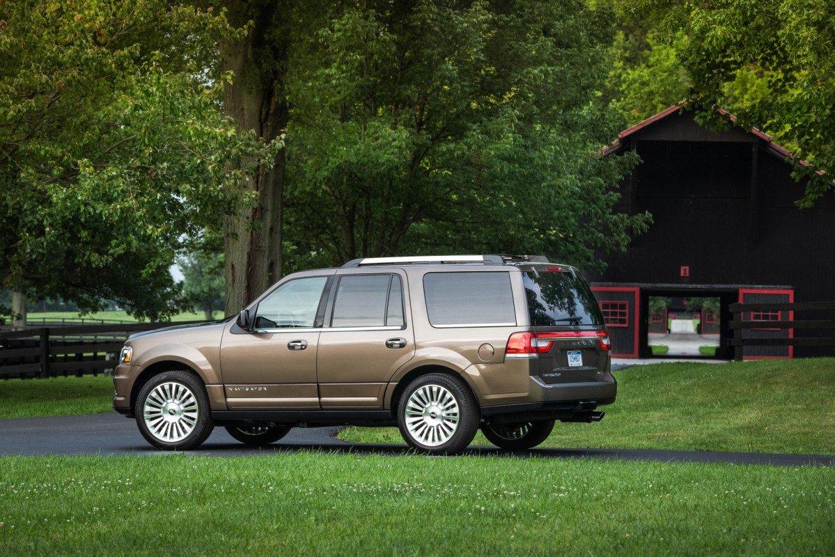 Lincoln Navigator U326 (2007-present): Review, Problems, Specs