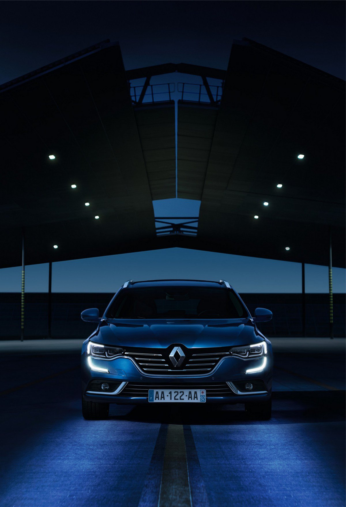2016 renault talisman official specs and pictures. Black Bedroom Furniture Sets. Home Design Ideas