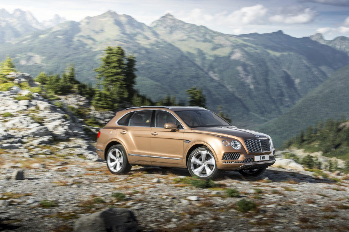 2016 Bentley Bentayga: Official Specs and Images