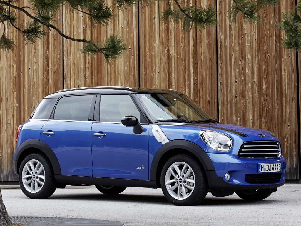 mini countryman 2010 review problems specs. Black Bedroom Furniture Sets. Home Design Ideas