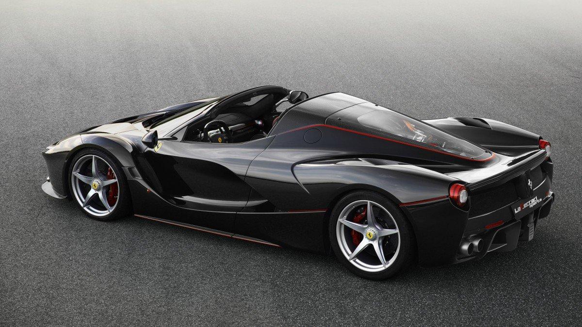Ferrari Takes Wraps off LaFerrari Aperta Spider