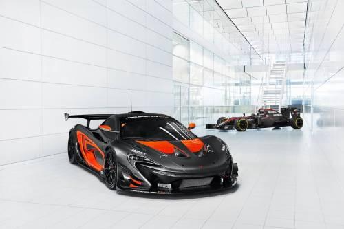 McLaren P1 GTR Dresses Like MP4-31 F1 Car, Leaves Us Drooling