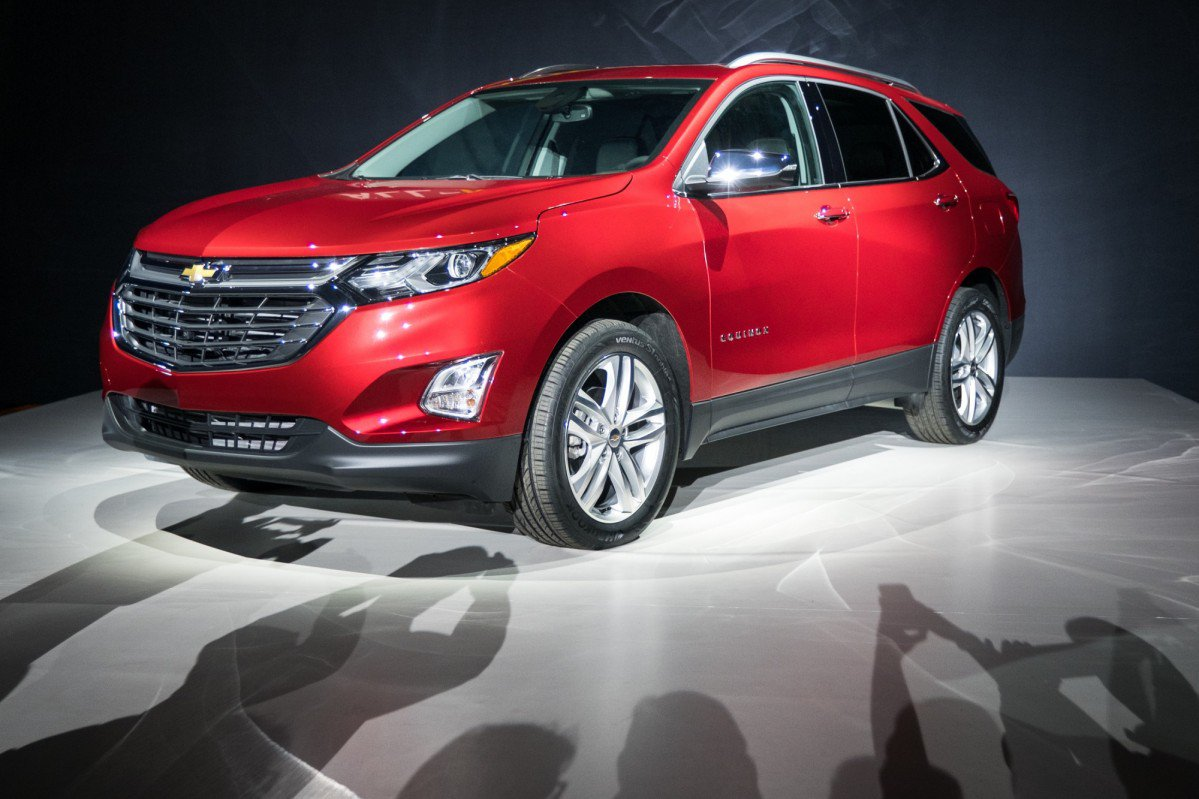 all new 2018 chevrolet equinox goes all turbo gains 136 hp 1 6l dies. Black Bedroom Furniture Sets. Home Design Ideas