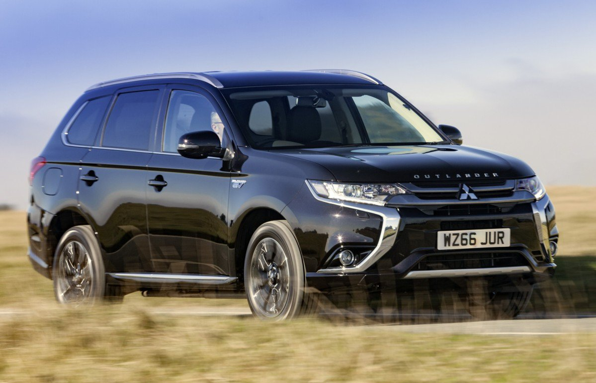 2017 mitsubishi outlander phev juro edition is for the uk only. Black Bedroom Furniture Sets. Home Design Ideas