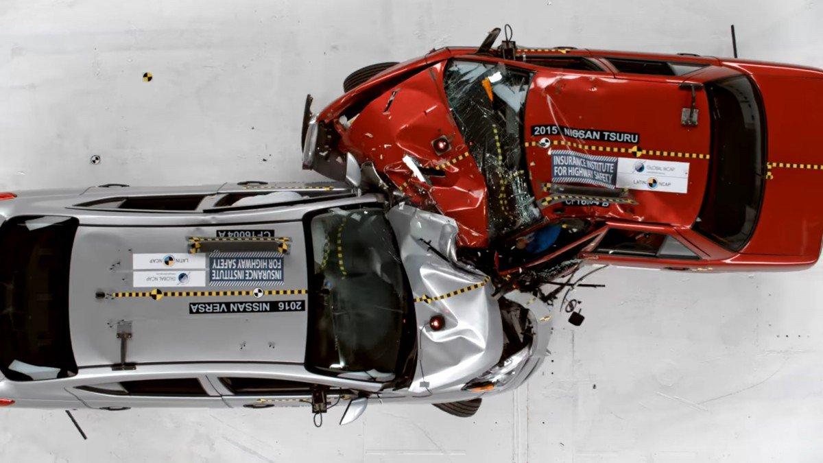 Old Car Vs Modern Car Which Is Safer Versa Vs Tsuru Crash Test