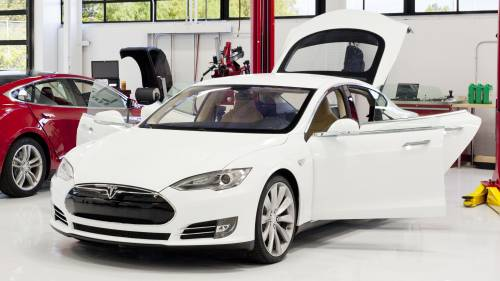 Tesla Drops P90D from Design Studio, Makes Up with Glass Roof Option for the Model S