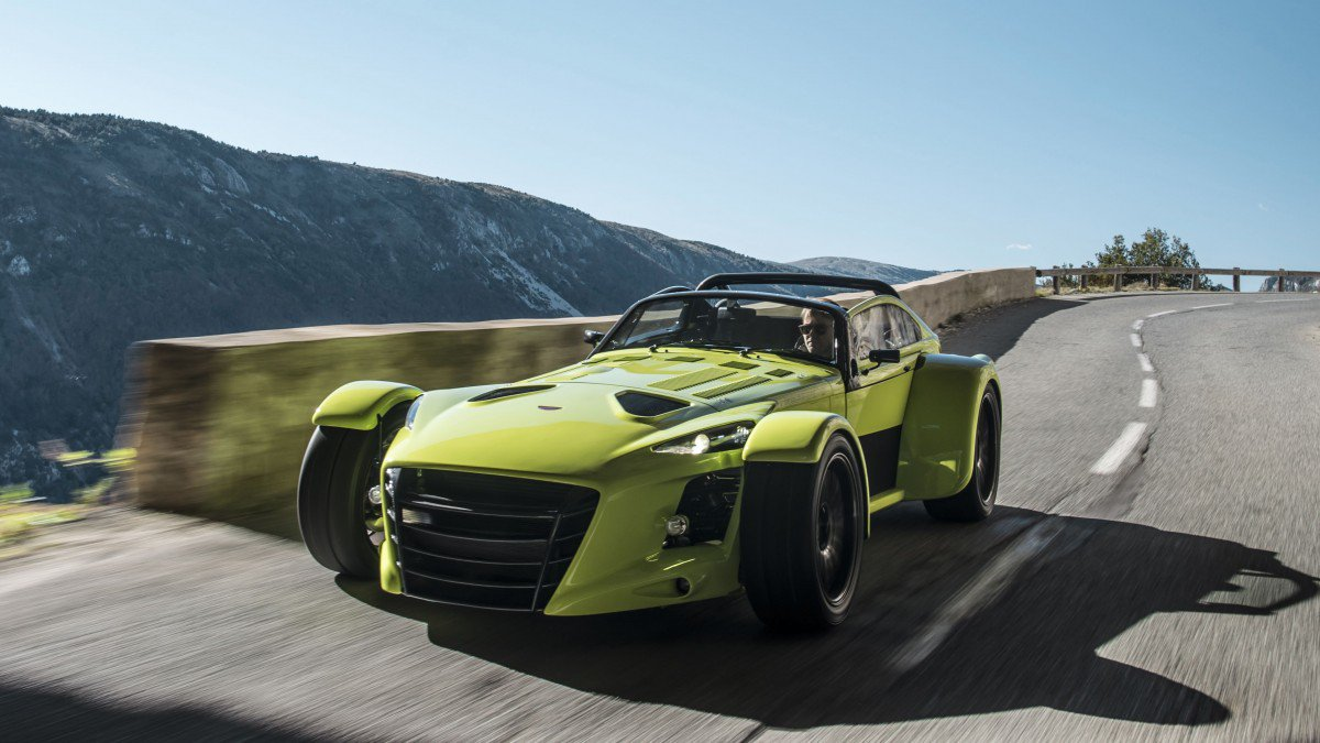carbon plated donkervoort d8 gto rs bare naked and race editions crav. Black Bedroom Furniture Sets. Home Design Ideas