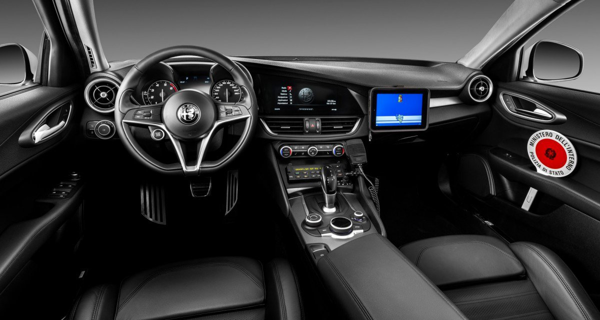 the alfa romeo giulia veloce q4 starts working for the. Black Bedroom Furniture Sets. Home Design Ideas
