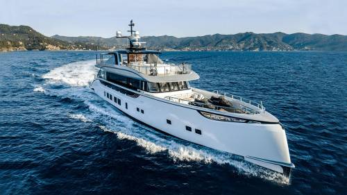 M/Y Jetsetter by Dynamiq Yachts Is Stunningly Beautiful