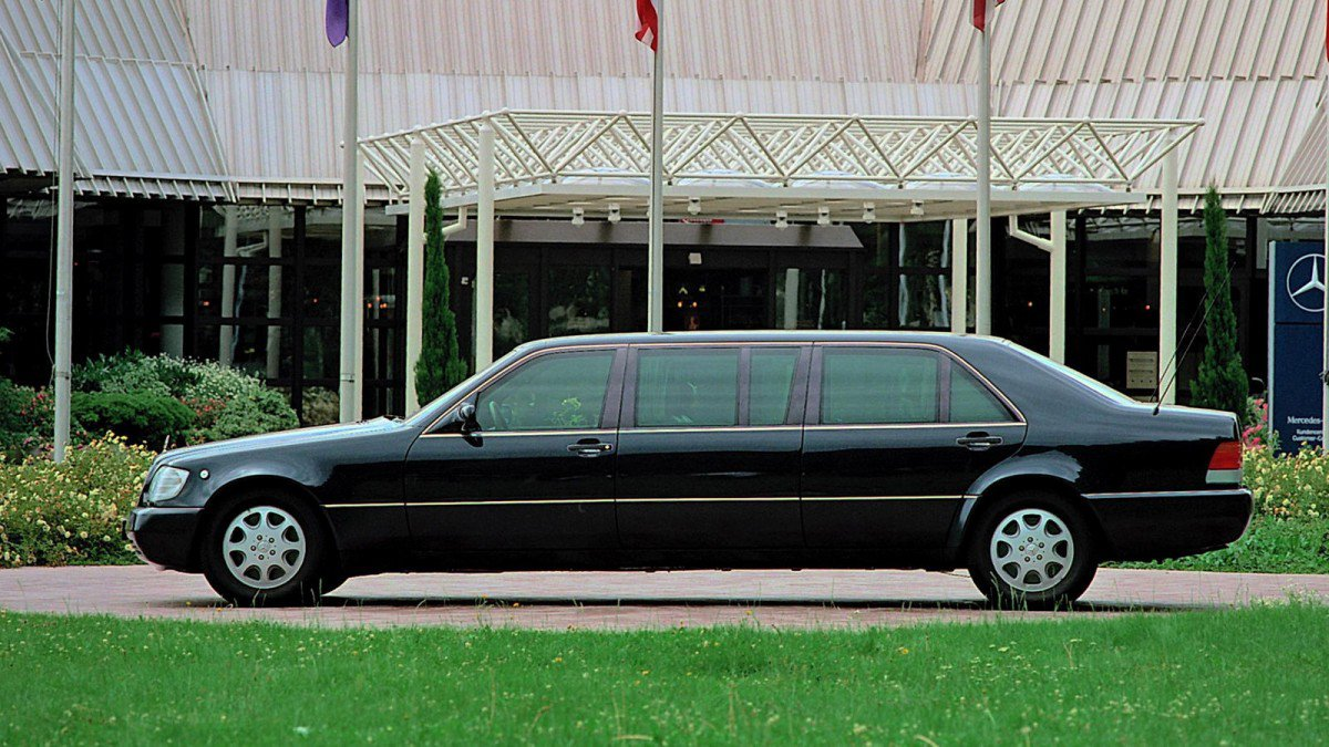 Putin 39 s mercedes s600 pullman guard w140 armored limo for sale for Mercedes benz guard for sale