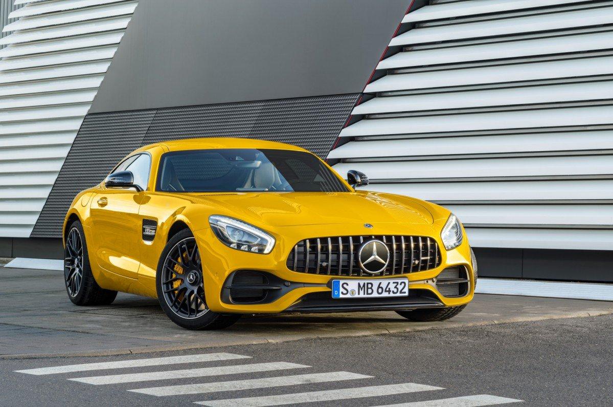 2018-Mercedes-AMG-GT-S-7.jpg
