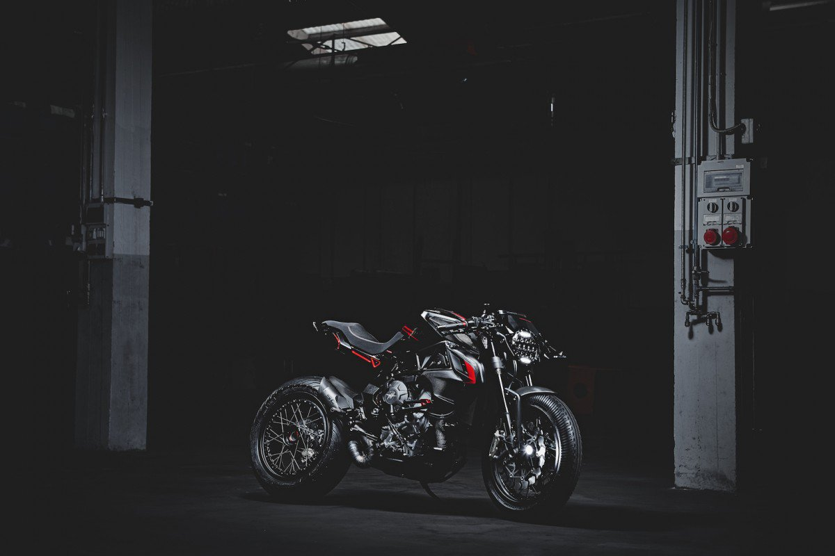 MV Agusta Dragster 800 Blackout › Motorcycles.News