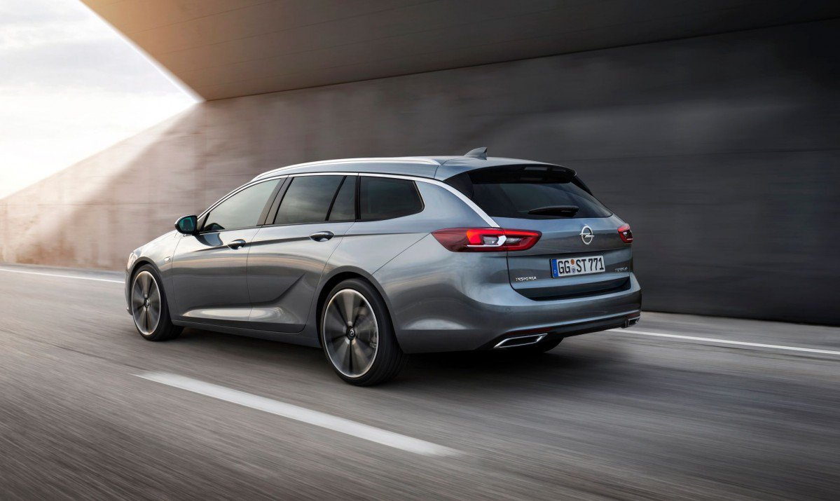 2017 Opel Insignia Sports Tourer Debuts with Up to 1638 Liters of