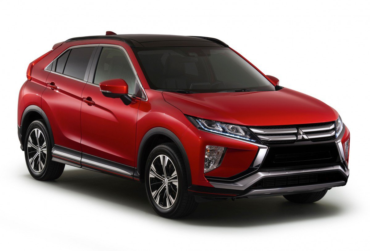 all new 2018 mitsubishi eclipse cross blends suv and coup. Black Bedroom Furniture Sets. Home Design Ideas