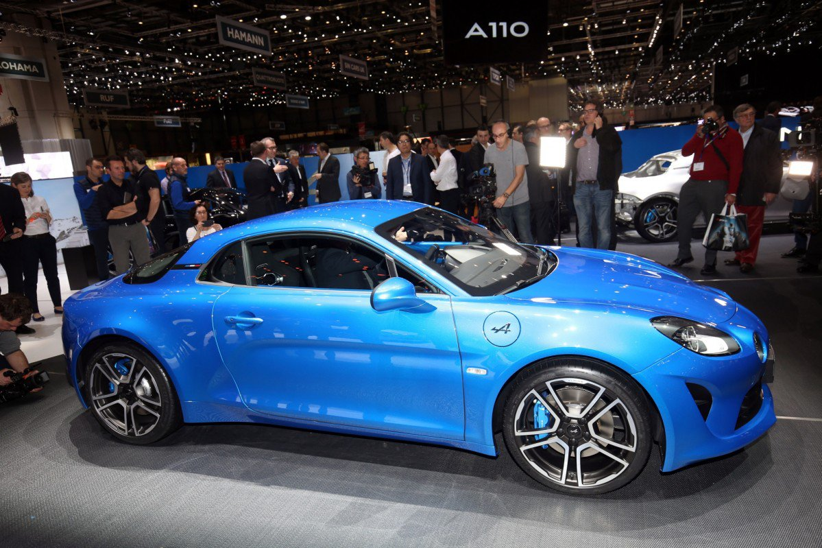 2018 alpine a110 has 252 hp 1 8l turbo engine goes from 0 to 100 km. Black Bedroom Furniture Sets. Home Design Ideas