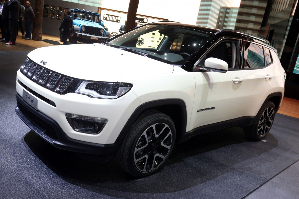 2017 jeep compass arrives in europe with three diesel engines. Black Bedroom Furniture Sets. Home Design Ideas