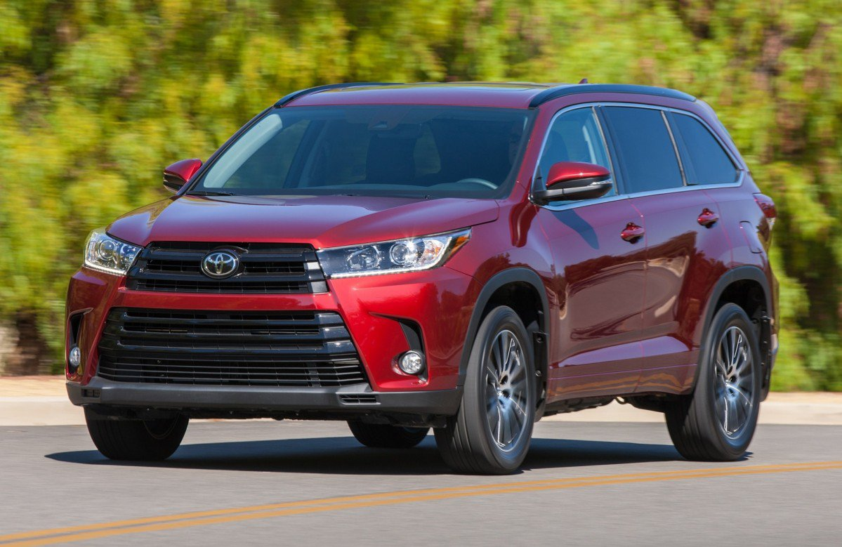 consumer reports picks best and worst suvs for 2017. Black Bedroom Furniture Sets. Home Design Ideas