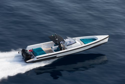 Wallytender X is One Fast Day-Cruiser