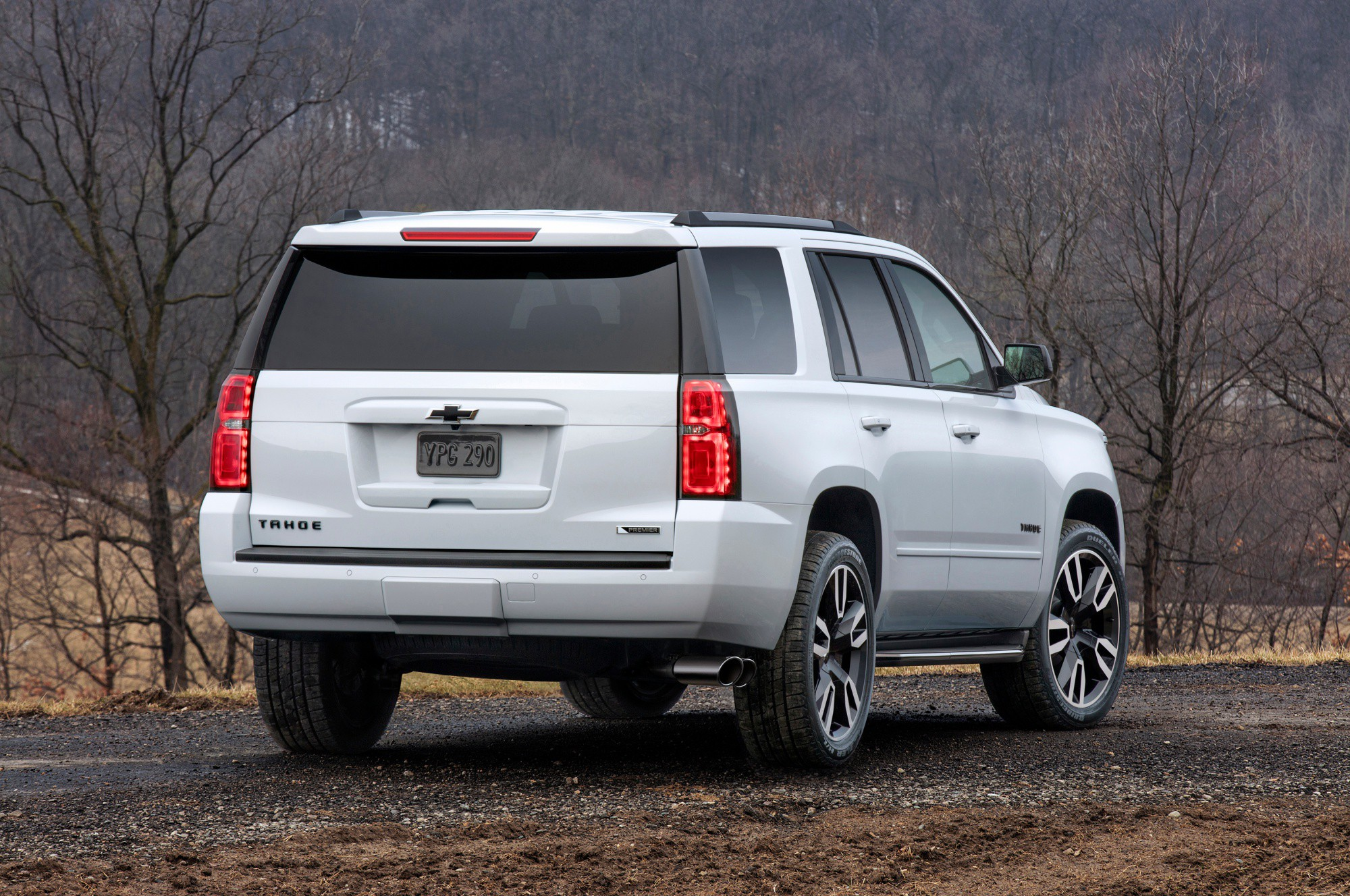 2018 Chevrolet Tahoe and Suburban street smart with new RST editi
