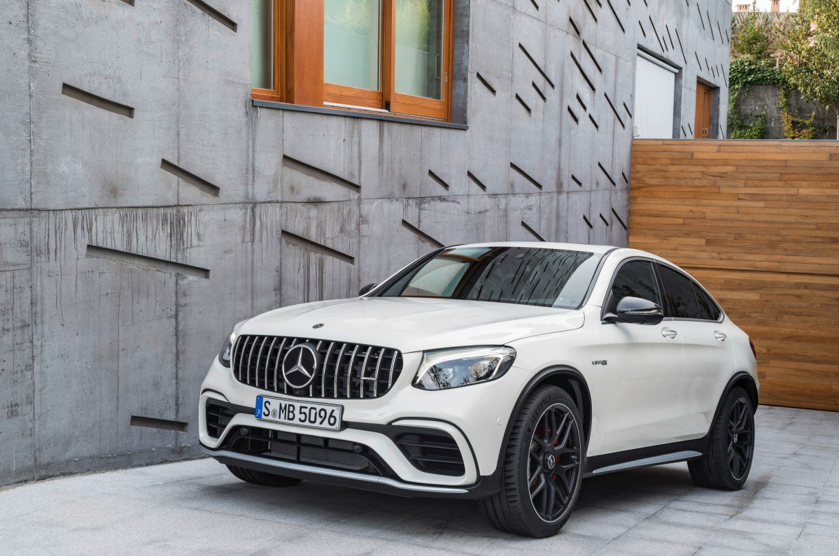 2018 mercedes amg glc 63 and glc 63 coup to take new york by storm. Black Bedroom Furniture Sets. Home Design Ideas