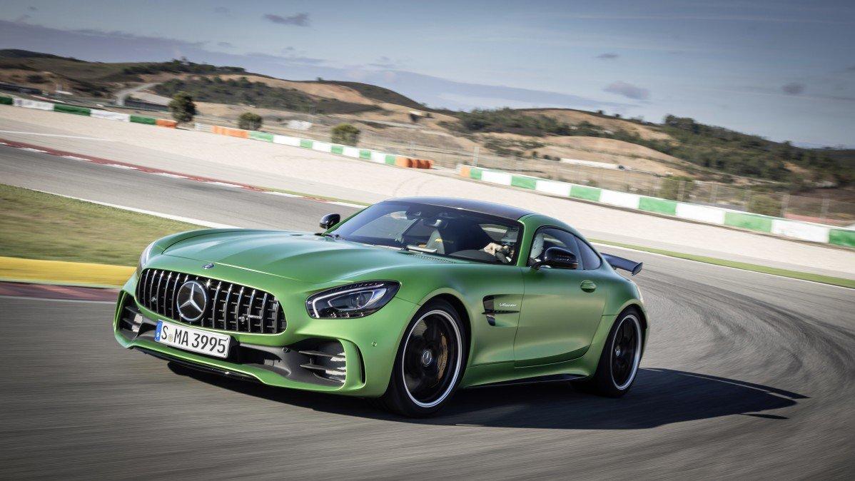 MercedesBenz Pulls A Porsche With Top Fastest Cars Video - Top fastest cars