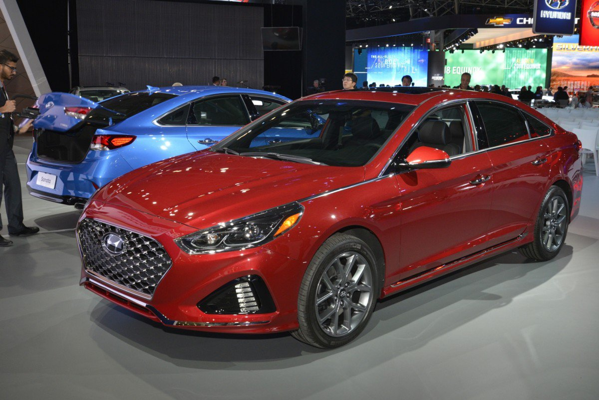facelifted 2018 hyundai sonata almost goes unnoticed in new york. Black Bedroom Furniture Sets. Home Design Ideas