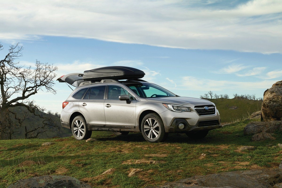 2018 subaru outback gets a mild refresh for the new york auto show. Black Bedroom Furniture Sets. Home Design Ideas