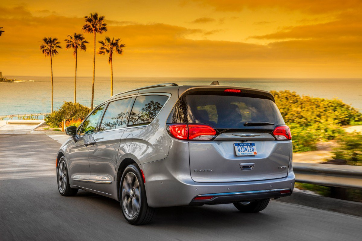 Chrysler Gives 2017 Pacifica New Mid Range Touring Plus Model