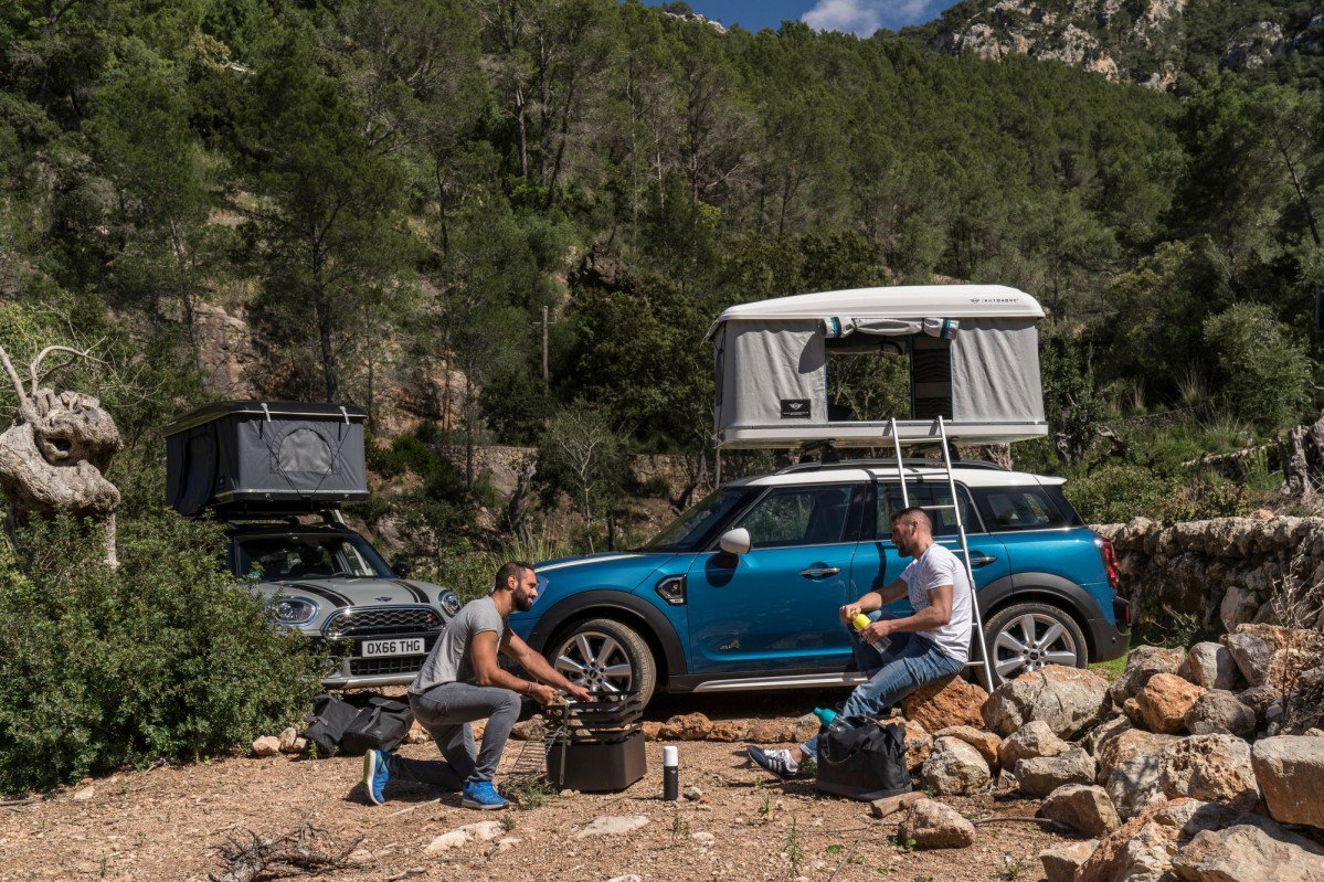 & Forget hotel bills with the AirTop roof tent for the MINI Countryman