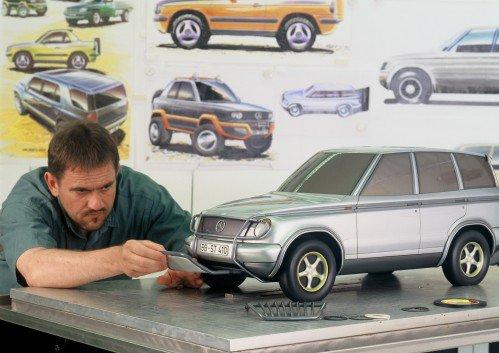 Mercedes ML turns 20, manufacturer looks back