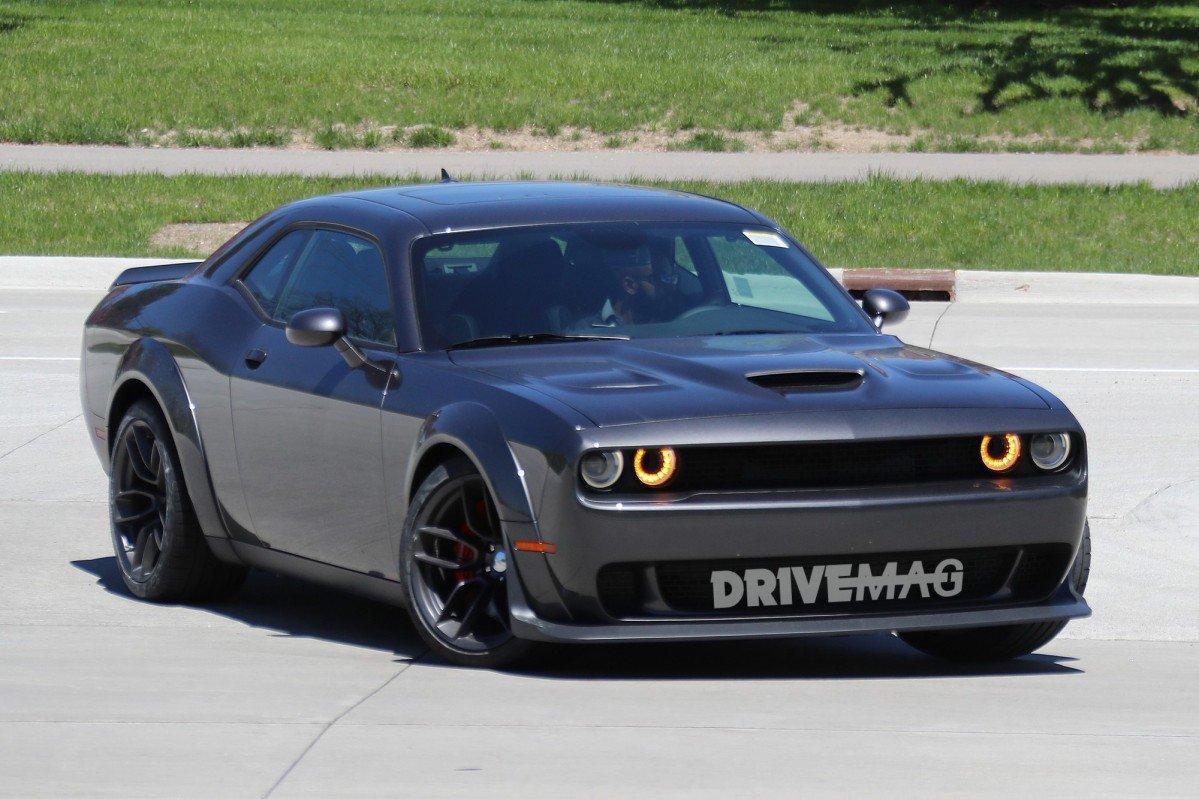 Widebody Dodge Challenger Srt Hellcat Spied Flashing Demon