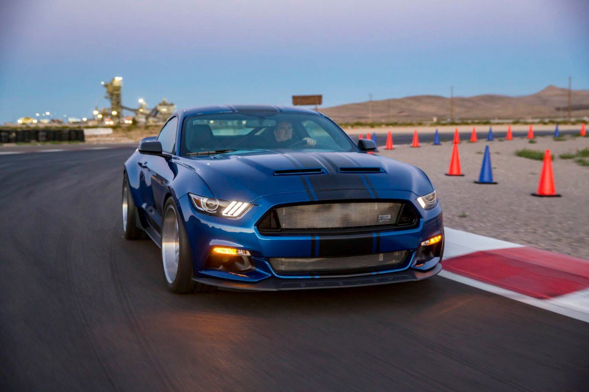 The wider, the wilder: Shelby unveils 2017 Super Snake Wide Body Conc...