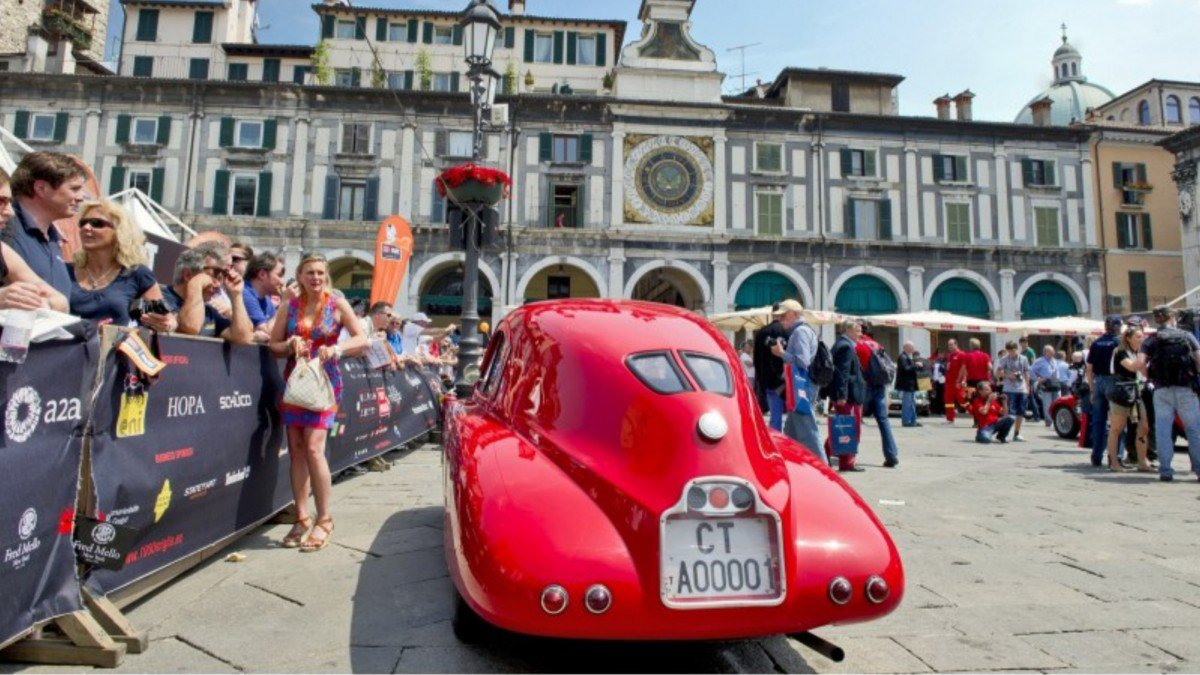 2017 Mille Miglia: over $200 million worth of classic cars and superc...