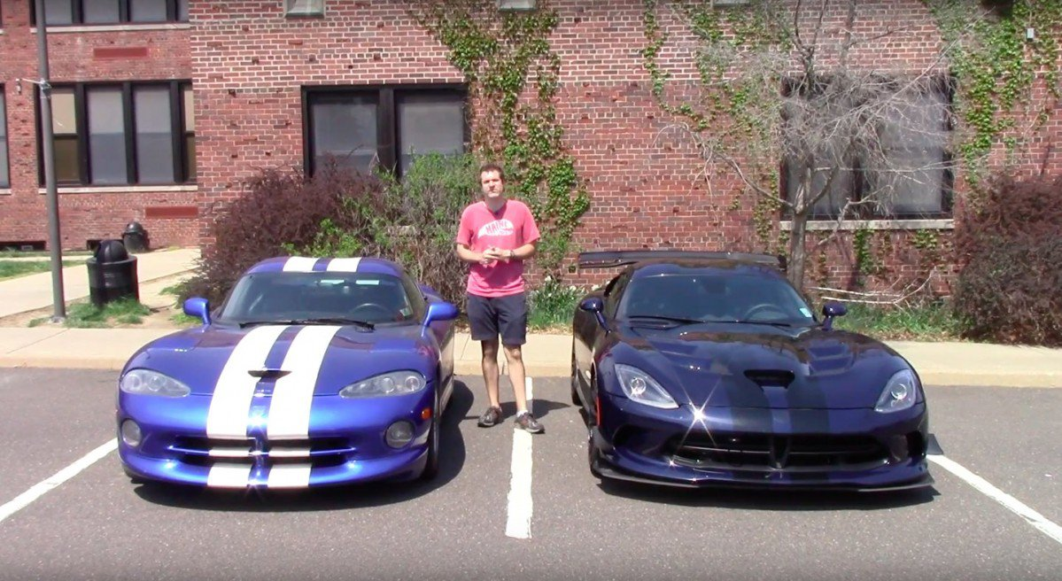 1997 Dodge Viper Gts Takes On Modern Day 2016 Viper Acr