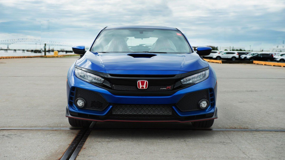 2017 honda civic type r vin 01 goes to auction in the u s