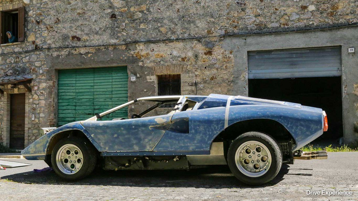 This Guy Is Building A Lamborghini Countach Replica And It