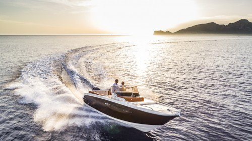 The new Invictus 240CX powerboat will be unveiled at Cannes Yachting Festival