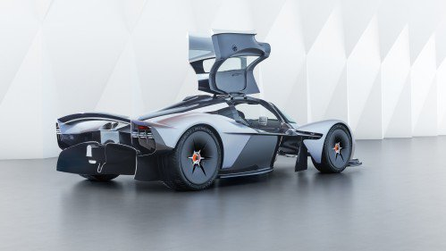 Secret-free: Aston Martin Valkyrie exposes cockpit design, almost final exterior cues