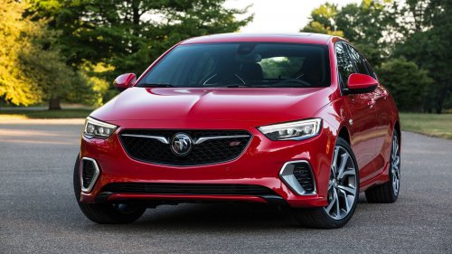 2018 Buick Regal GS comes with a 310-hp V6, lots of sporty tech