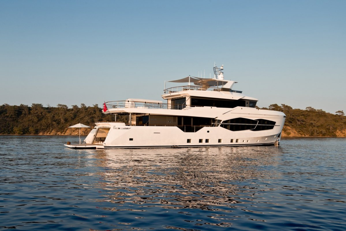 Second Numarine 32XP explorer yacht sold