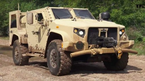 See what it's like to drive the Humvee's replacement, the JLTV