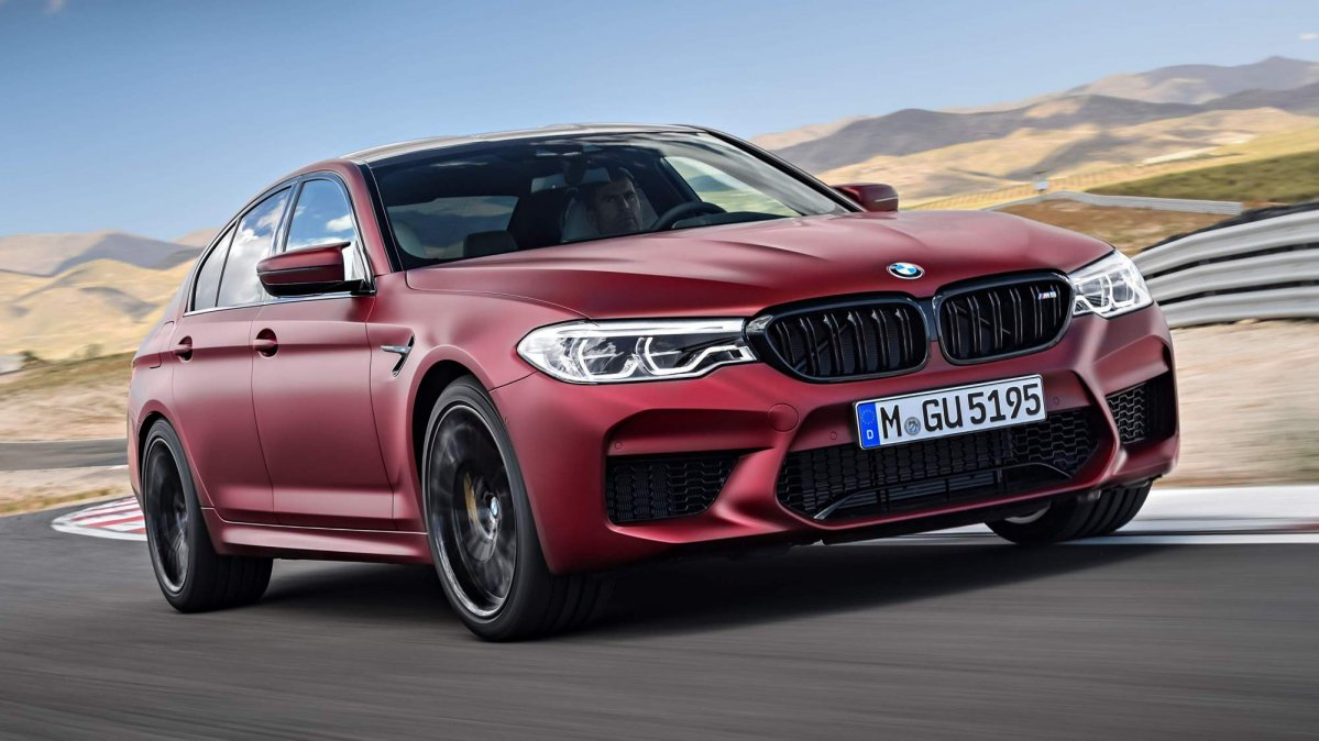 2018 BMW M5 is your all-weather, highly intelligent super sports sedan