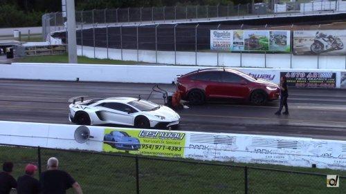 Tesla Model X humiliates Lamborghini Aventador, sets world record for the 1/4 mile