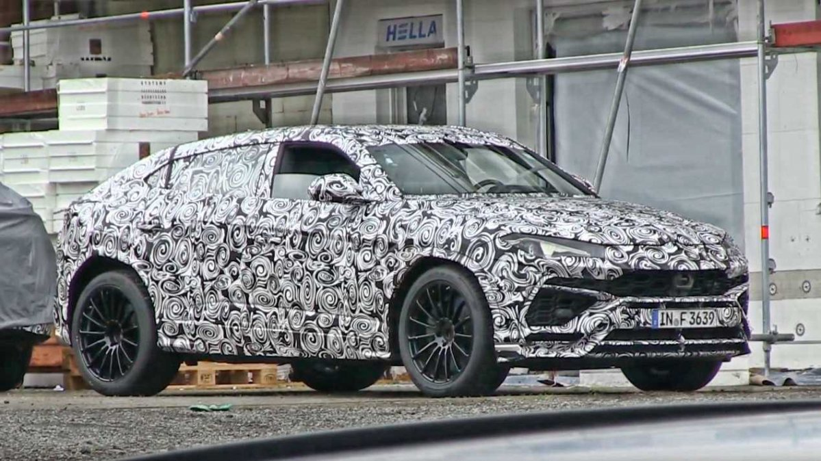 2018 lamborghini suv. simple suv 2018 lamborghini urus suv flaunts camouflaged body on the u0027ring for lamborghini suv