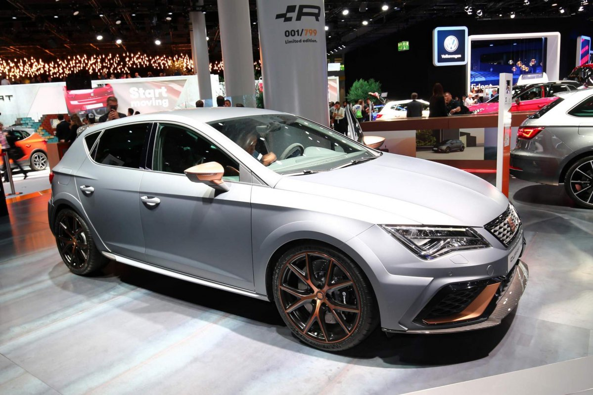 limited edition seat leon cupra r takes over as brand 39 s. Black Bedroom Furniture Sets. Home Design Ideas