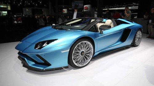 2018 Lamborghini Aventador S Roadster drops its top before Frankfurt debut