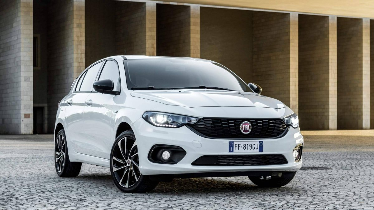 fiat tipo s design range topper brings more style and equipment to th. Black Bedroom Furniture Sets. Home Design Ideas